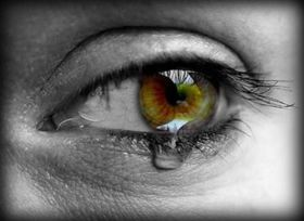 Heartbreaking-sad-eyes-tears-photography10